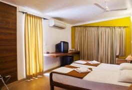 resorts in candolim goa